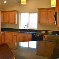 Granite Counter Tops and Wood Cabinets Winston Oregon